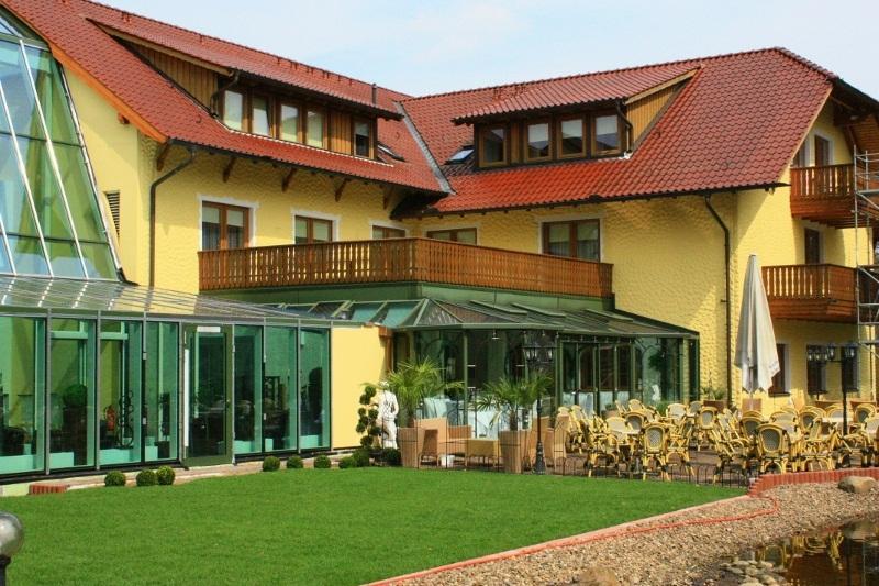 bayerisches landhaus. Black Bedroom Furniture Sets. Home Design Ideas
